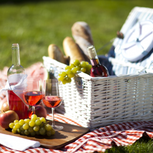 Top 4 romantic picnic spots in Sydney