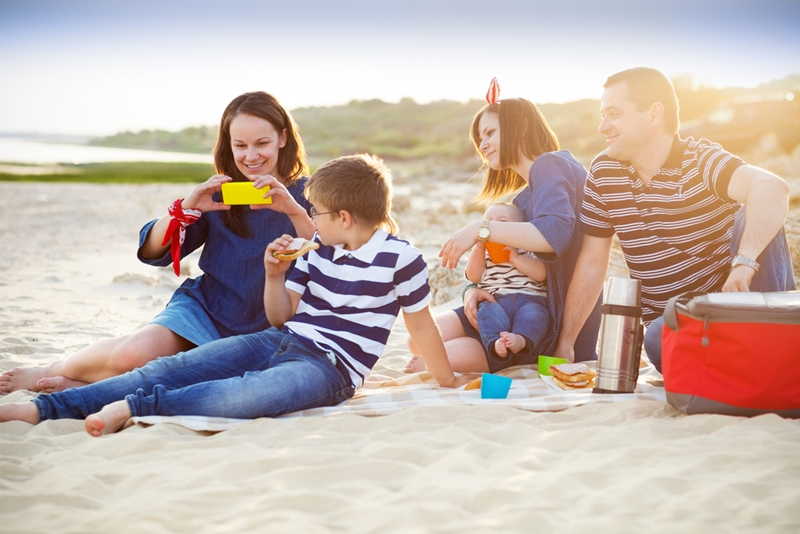 Do you prefer a good lunch on the beach?