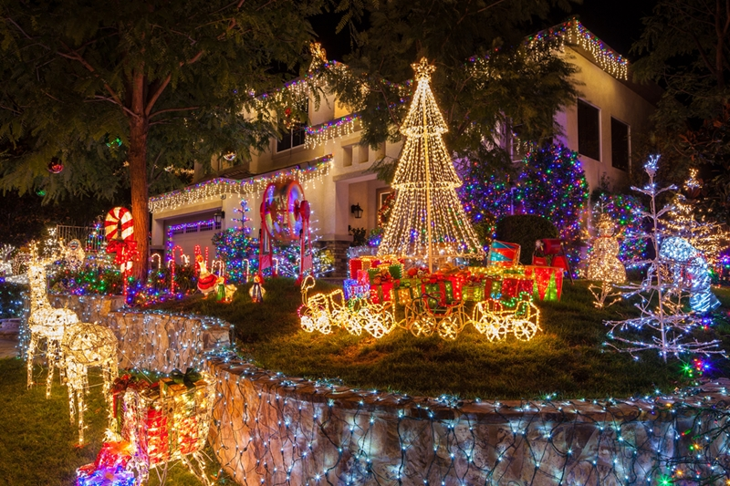 These Christmas light displays aren't messing around!