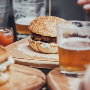 4 of the best country pubs near Brisbane