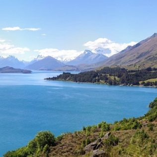 Top 5 lakes you should see in NZ's North Island